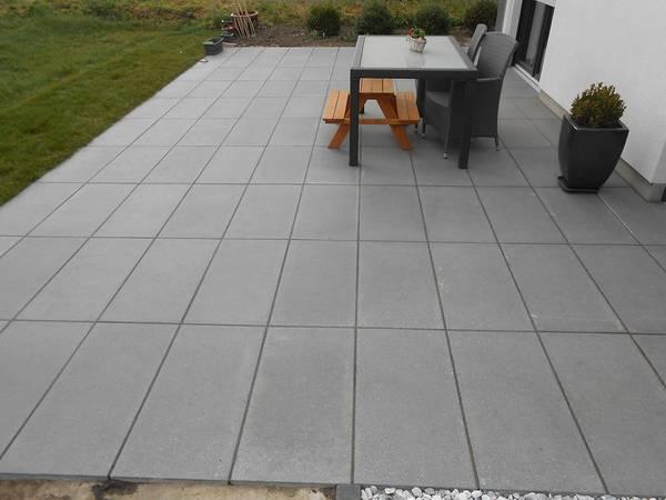 terrassenbau betonstein natursteinplatten garten. Black Bedroom Furniture Sets. Home Design Ideas